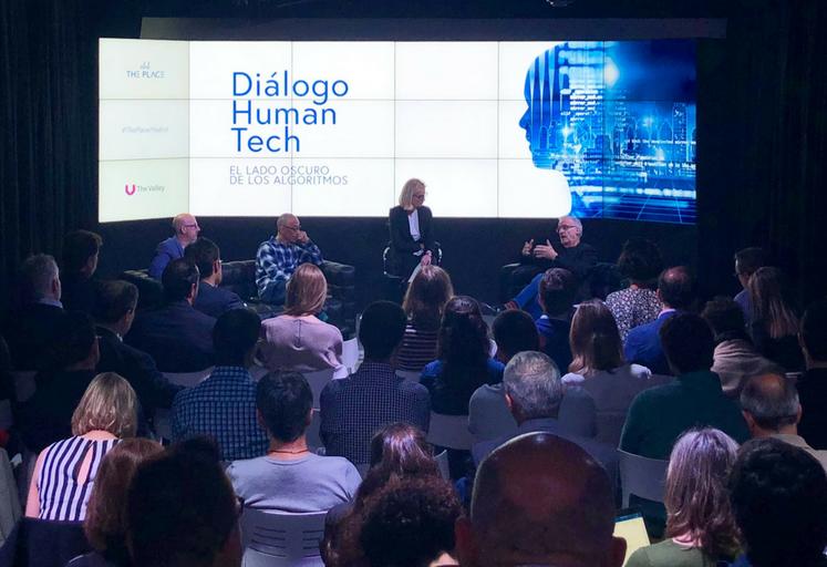 dialogo-human-tech-sobre-algoritmos-de-inteligencia-artificial-en-the-place